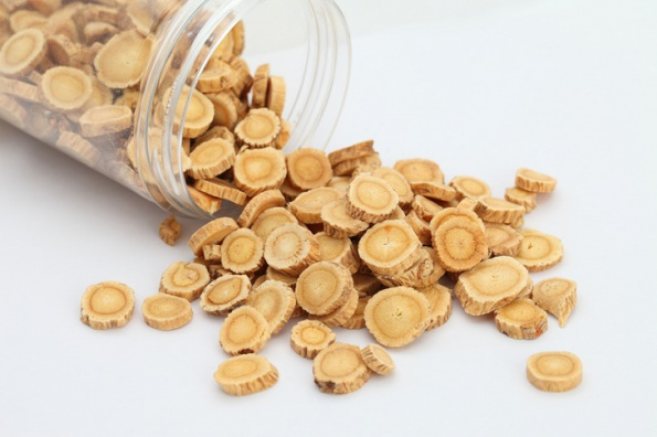 9-remarkable-benefits-of-astragalus-root