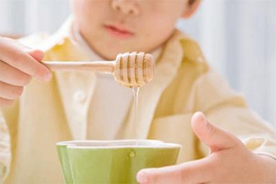 jalea-real-para-qué-es-y-para-qué-sirve-comida-por-niños