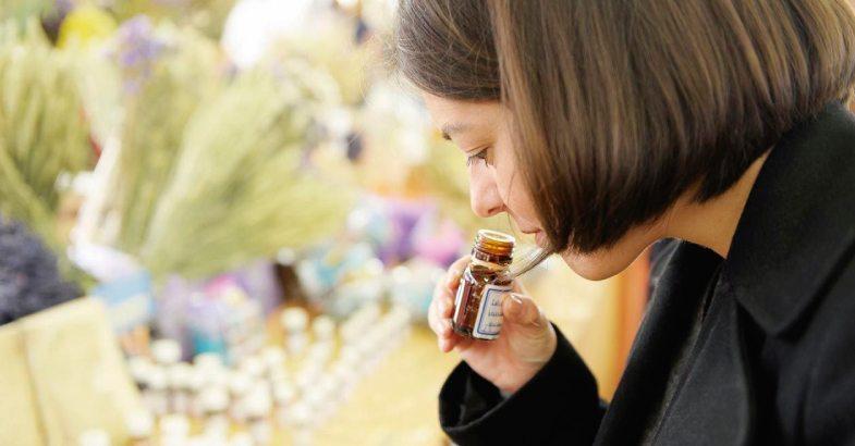 aceites-terapeuticos-esenciales-propiedades-beneficios-usos