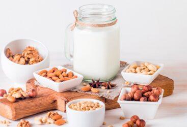 bebidas-vegetales-soja-almendra-para-sustituir-la-leche-de-vaca