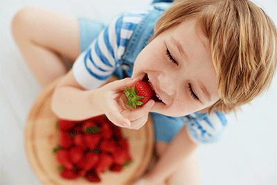 batidos-de-fresas-caseros-naturales-de-frutas-para-niños-en-dietetica-online