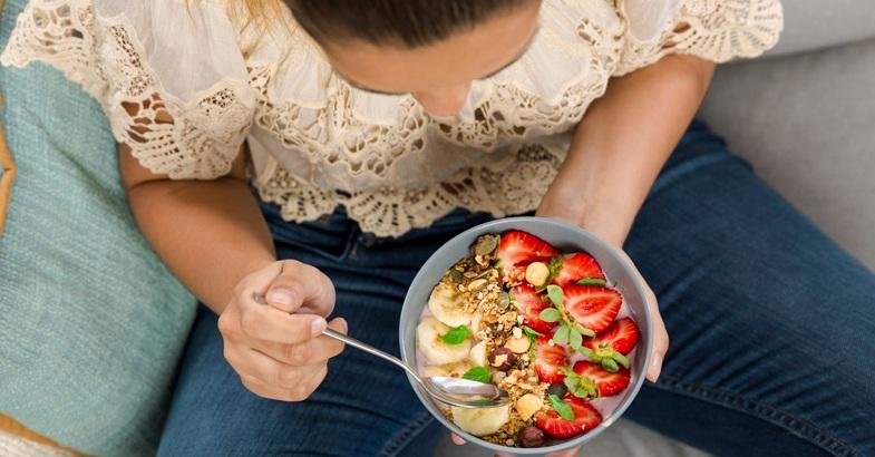 vitamina-a-b1-fresas-platanos-beneficios-frutas