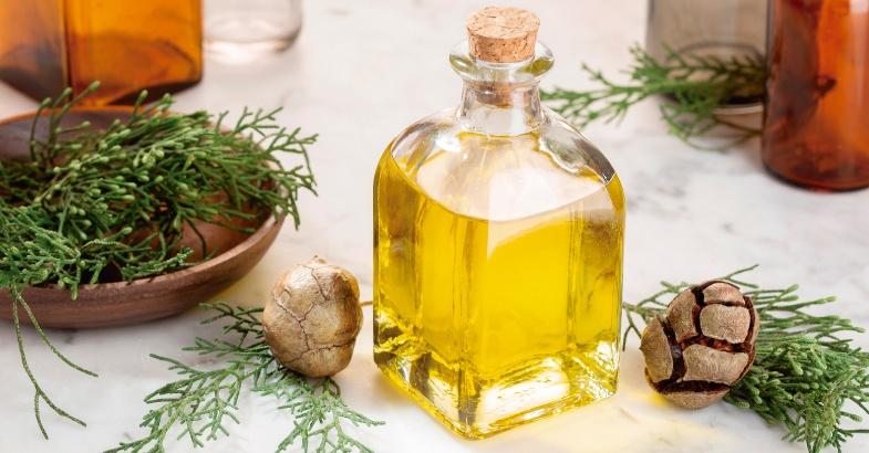 aceites vegetales y esenciales que estimulan y mejoran los dolores musculares, la artritis y los resfriados.