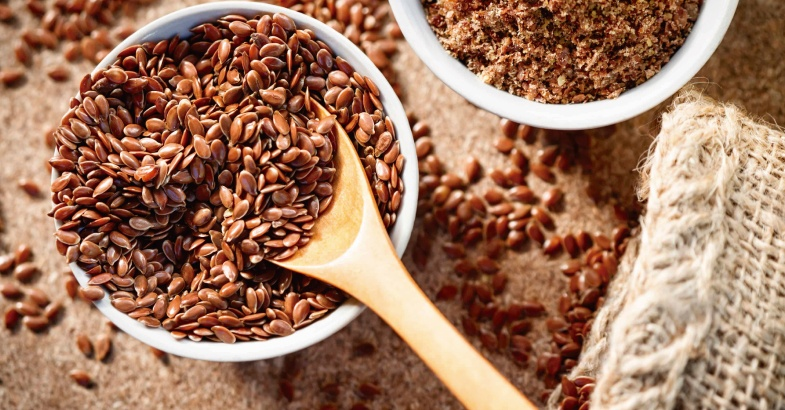 semillas de lino que sirven para fortalecer nuestros huesos y mejorar nuestras articulaciones