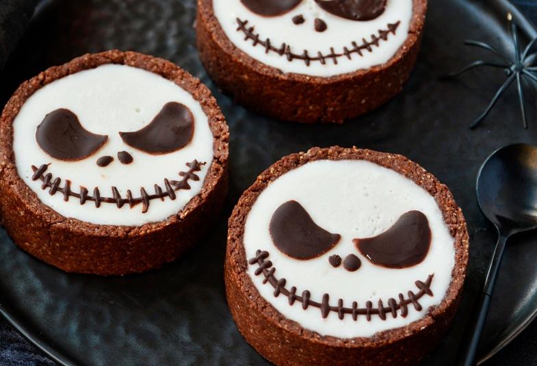 recetas-de-halloween-faciles-pastel-de-chocolate-con-panna-cotta